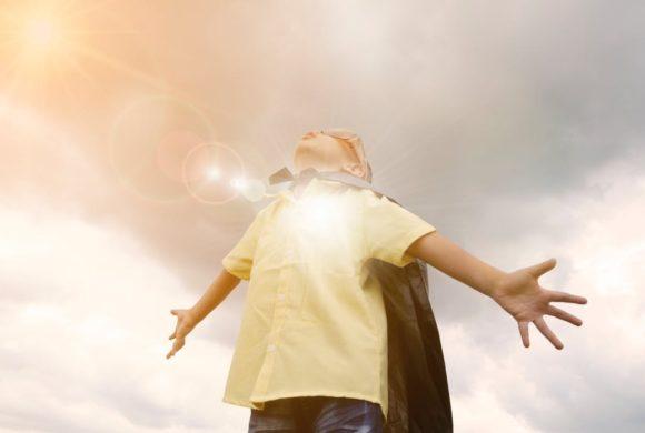 Cum să îți lauzi corect copilul sau despre răsfățul emoțional